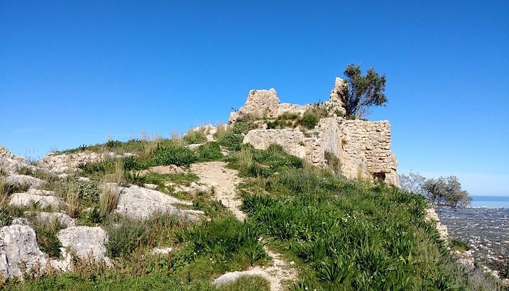 Tot a punt perquè comence l'excavació arqueològica al castell de l'Ocaive de Pedreguer