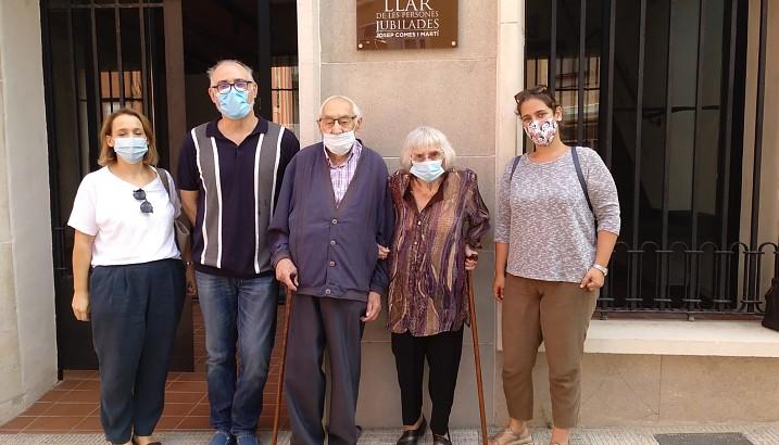 Los hermanos Comes visitan la nueva sede de las personas jubiladas de Pedreguer