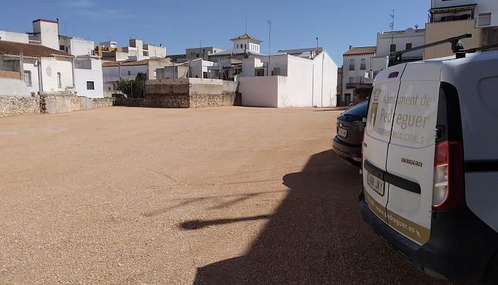 L'Ajuntament de Pedreguer finalitza l'habilitació de l'aparcament al cèntric carrer Mestre Serrano